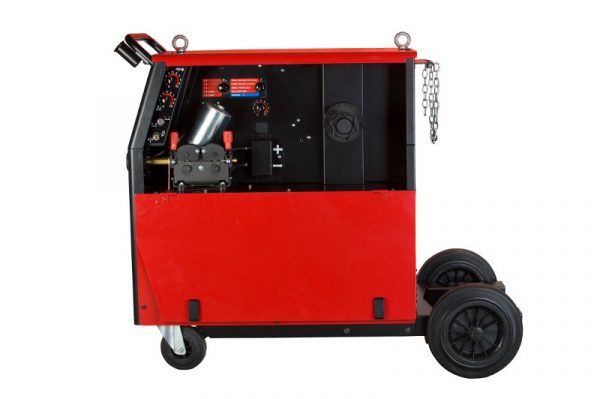 Lincoln Electric Powertec 355C PRO je robustný a odolný kompaktný MIG / MAG zdroj